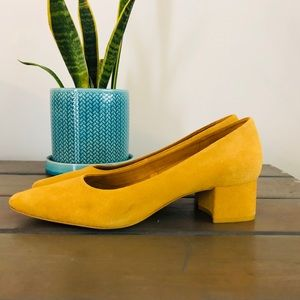 Low square toe block heels Zara mustard